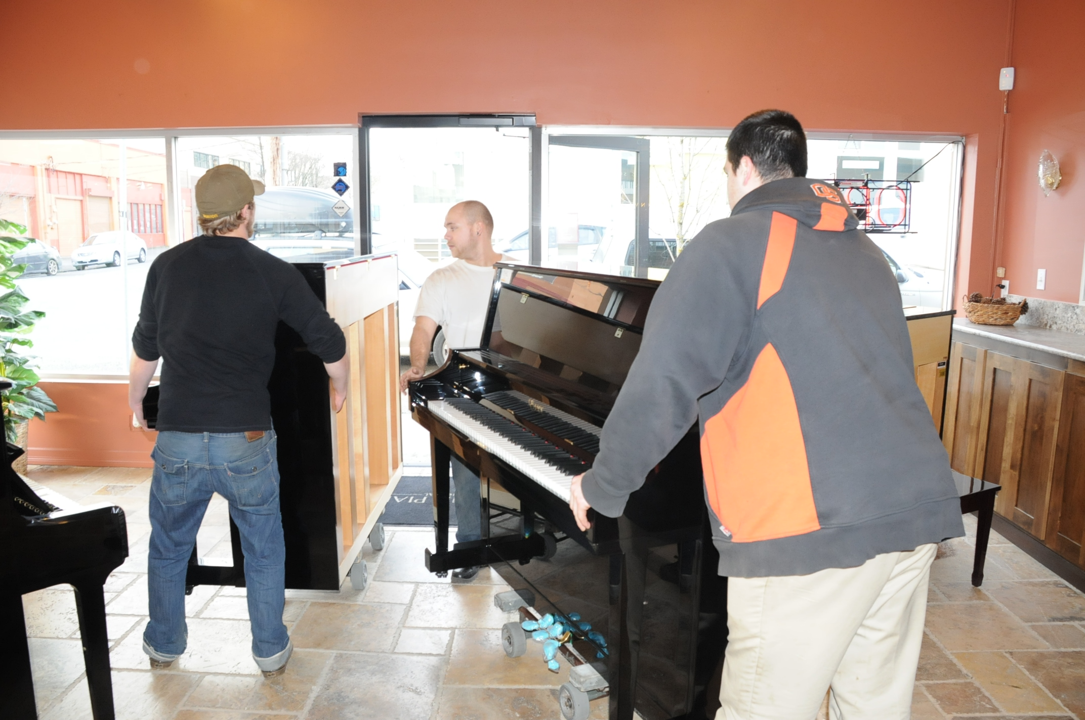 Piano Moving in Portland OR from Michelles Piano - pic 1