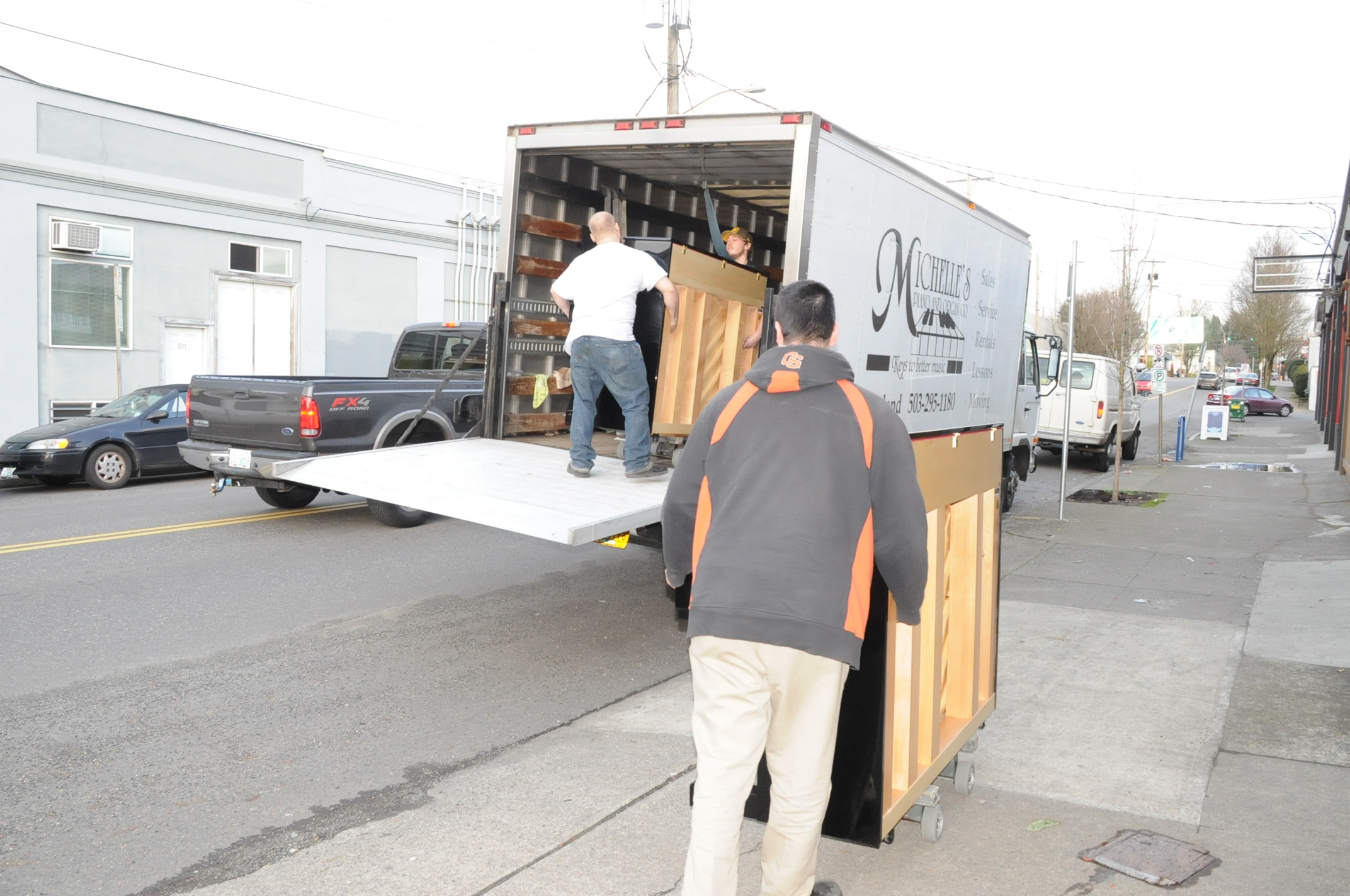 Piano Moving in Portland OR from Michelles Piano - pic 3