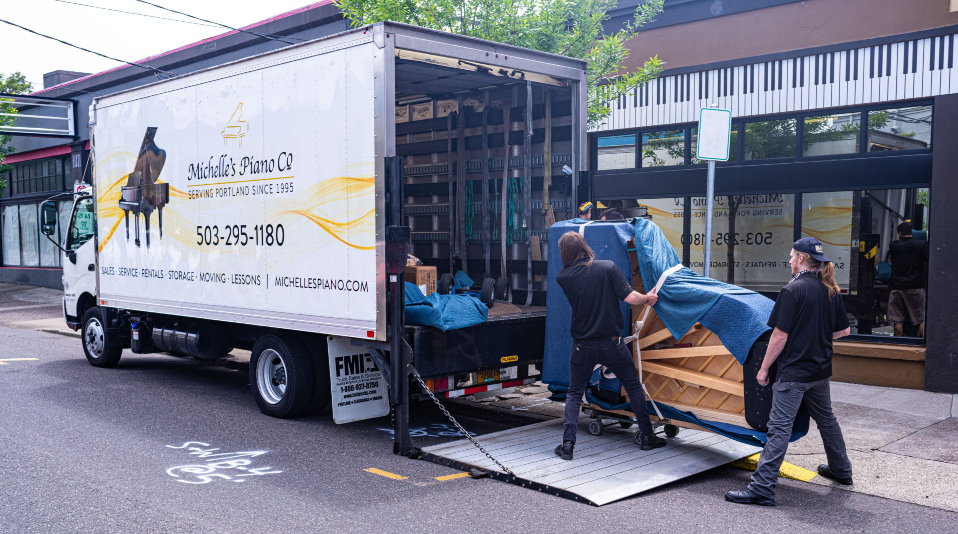 Portland-Piano-Moving-from-Michelles-piano-in-portland-or-pic1