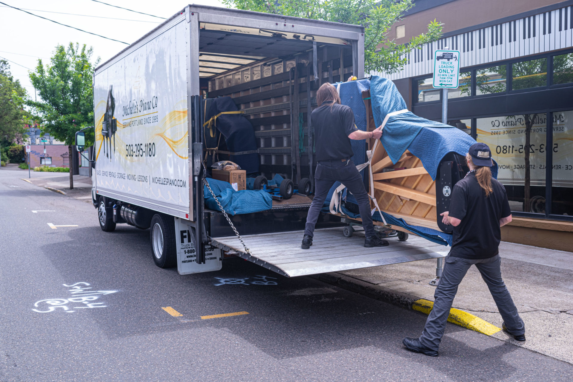 Portland-Piano-Moving-from-Michelles-piano-in-portland-or-pic8