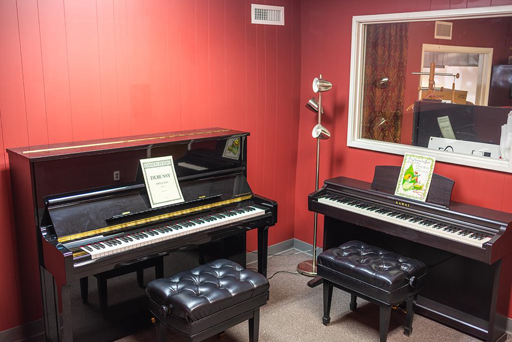 portland-piano-lessons-piano-room-at-michelles-piano-in-portland-or-pic3